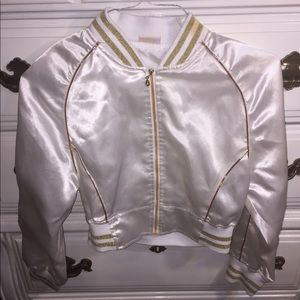 Jackets & Blazers - i am selling this pretty cropped jacket.